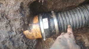 broken-sewer-pipe-replacement